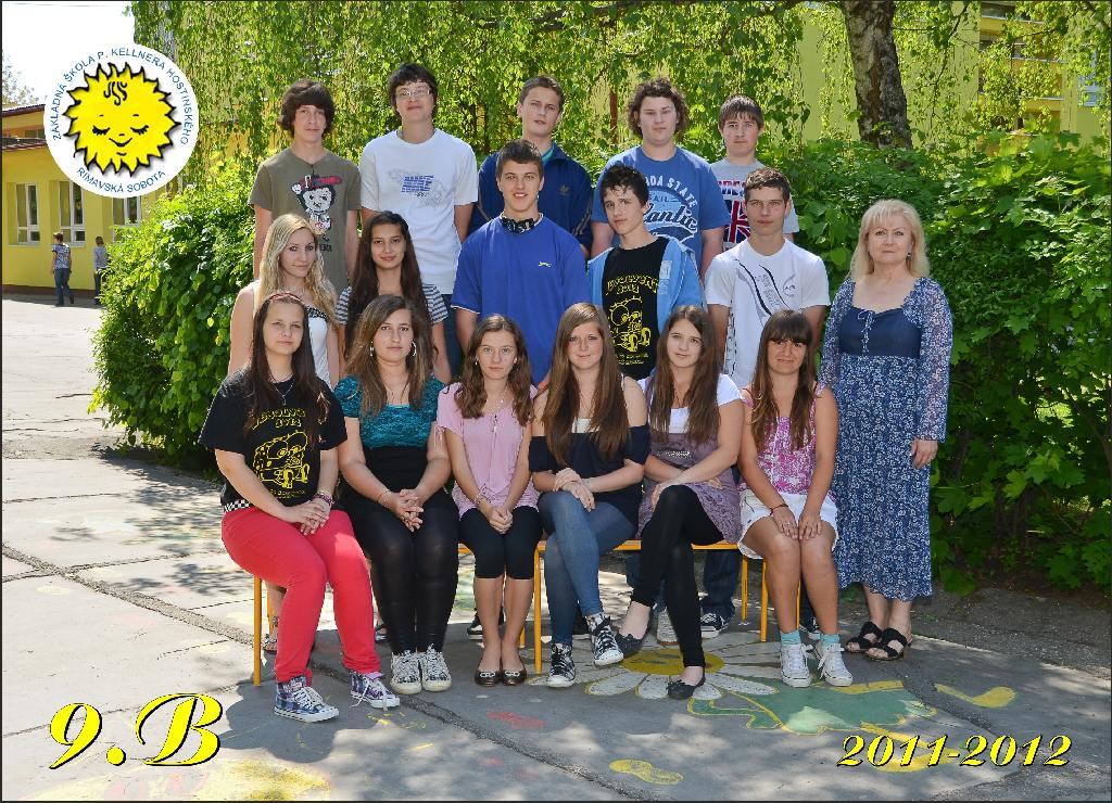 Práve prezeráte fotografiu z galérie: Absolventi našej školy 2011/2012