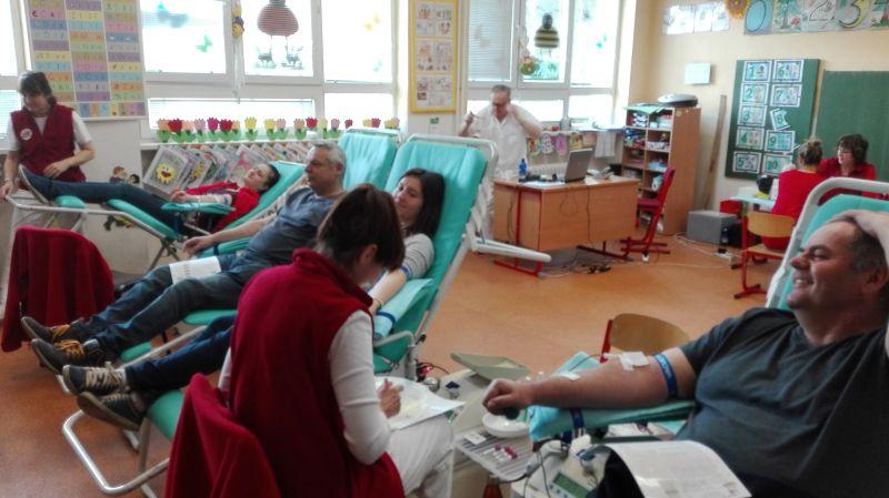 Práve prezeráte fotografiu z galérie: Kvapka krvi