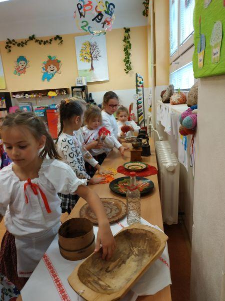 Práve prezeráte fotografiu z galérie: Tematický deň - Ľudové zvyky a tradície